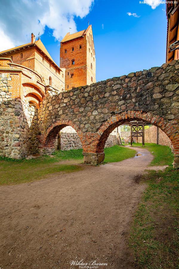 Kliknij obrazek, aby uzyskać większą wersję  Nazwa:Zamek w Trokach (1).jpg Wyświetleń:7 Rozmiar:701,4 KB ID:6149