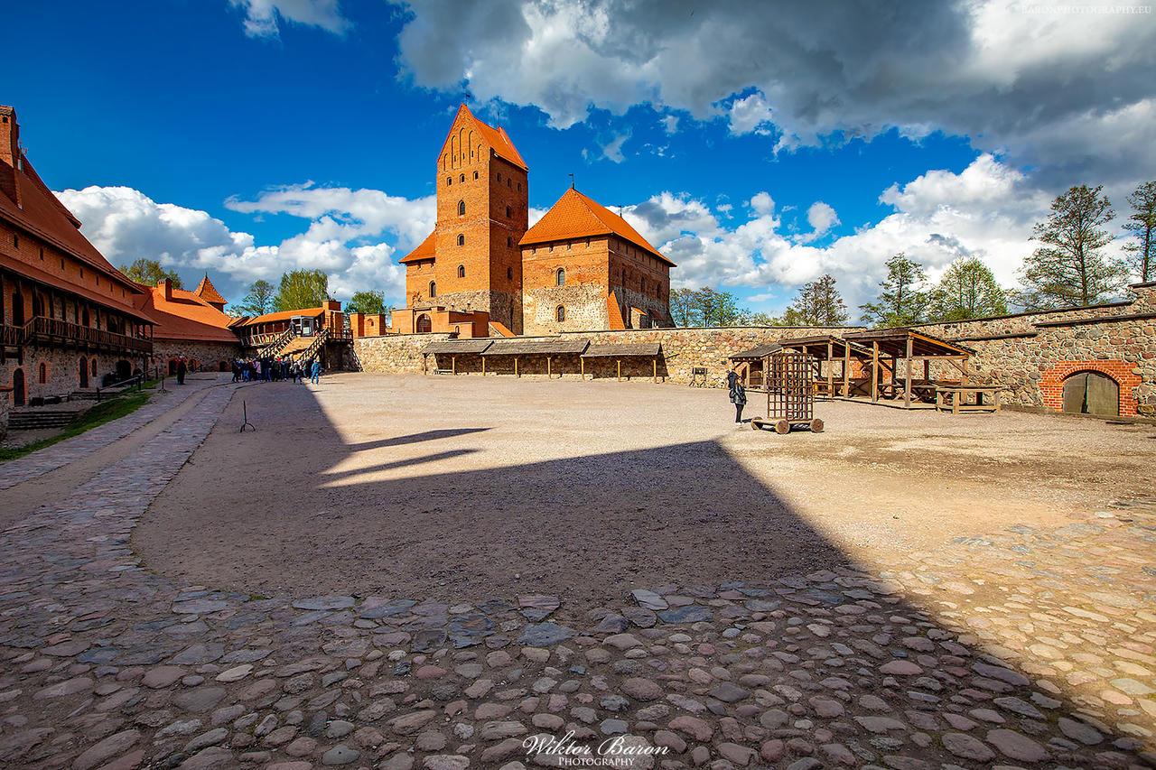 Kliknij obrazek, aby uzyskać większą wersję  Nazwa:Zamek w Trokach (9).jpg Wyświetleń:7 Rozmiar:564,7 KB ID:6150